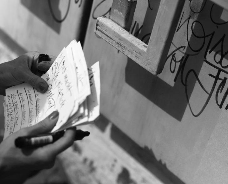 Kalligraphie Performance Was macht Dich glücklich