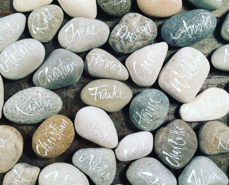 Kallgraphie auf Steine